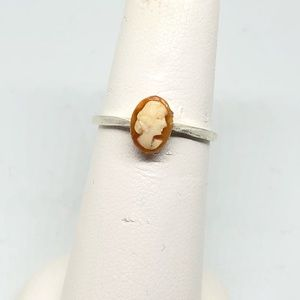 🆕Vintage Petite Sterling Cameo Ring